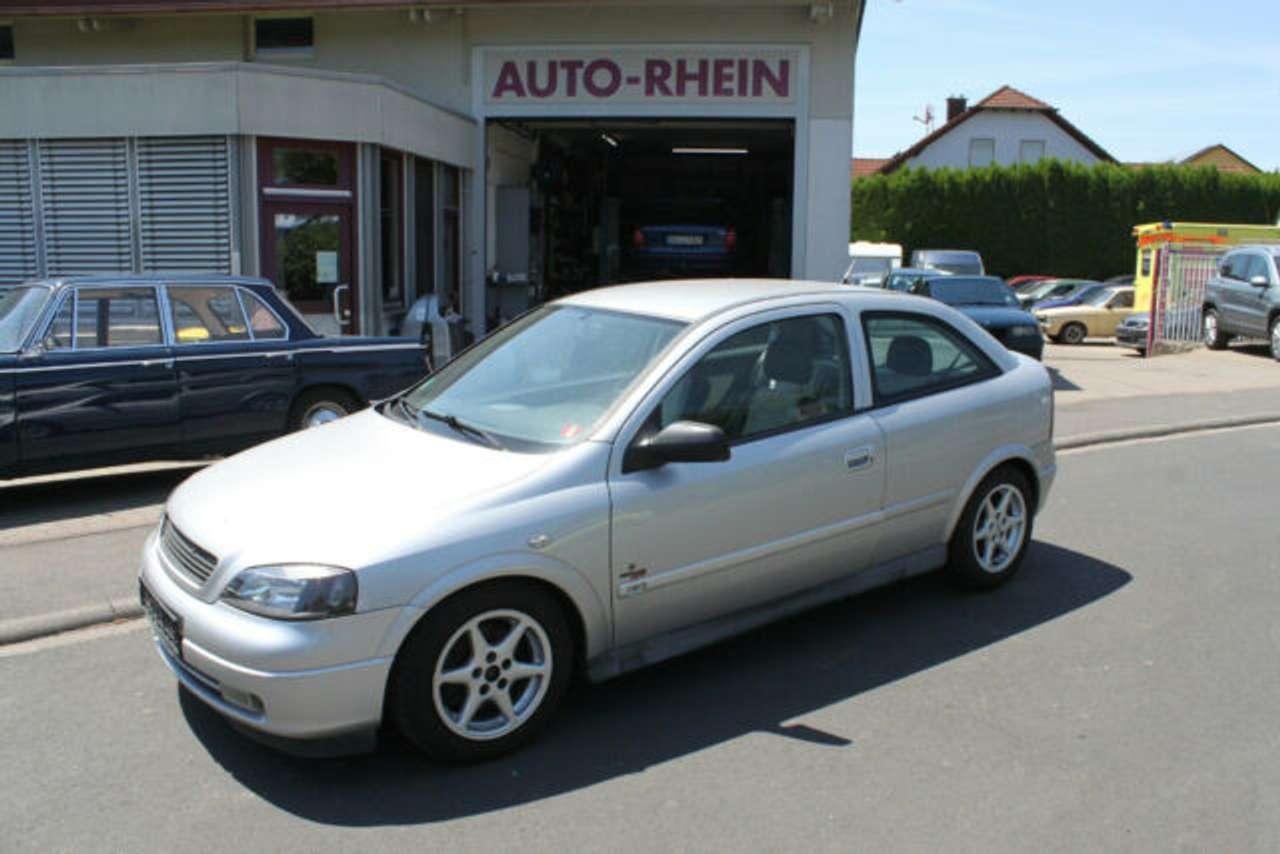 Autos nach Opel Astra 1.8 16V Comfort
