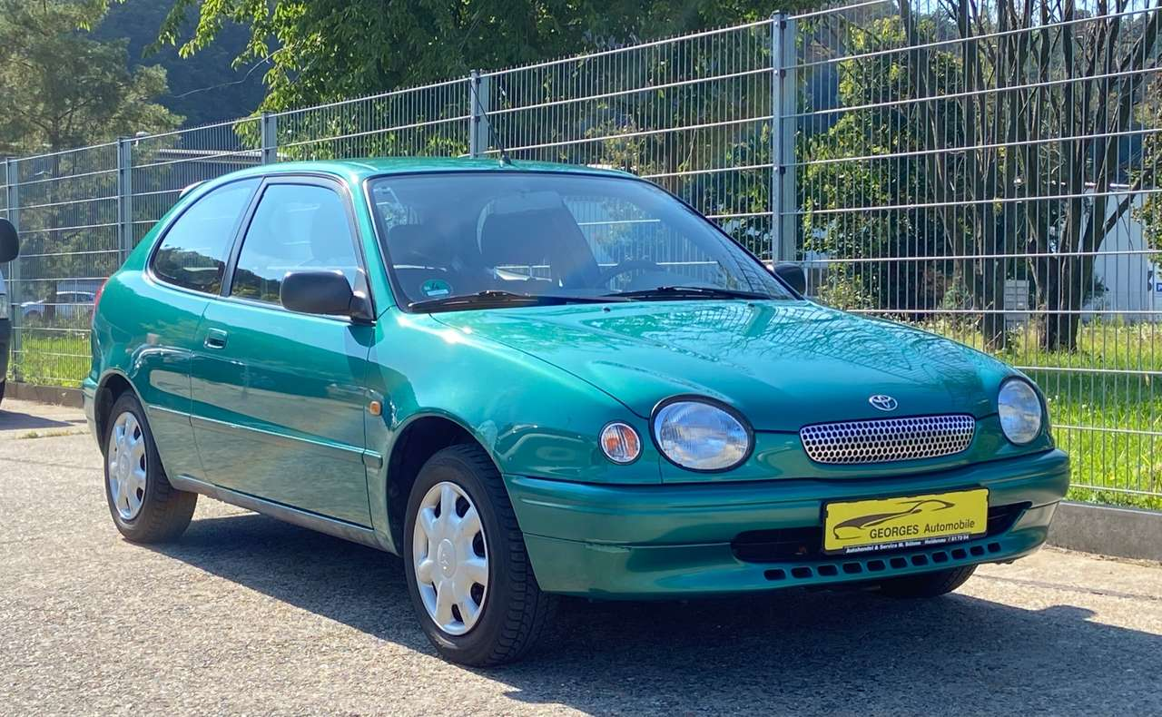 Autos nach Toyota Corolla Limousine 1.4