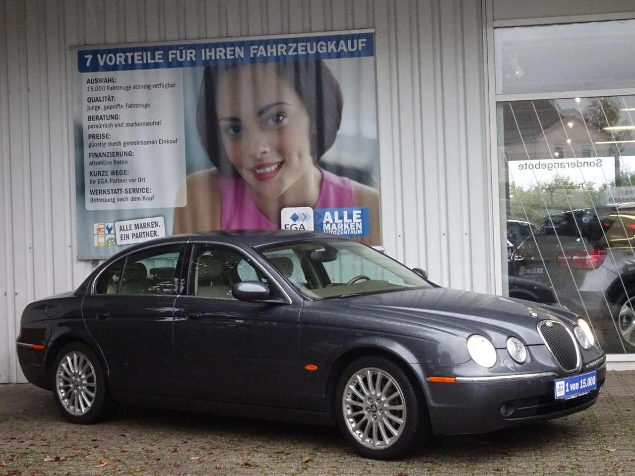 Autos nach Jaguar S-Type 3.0 L V6