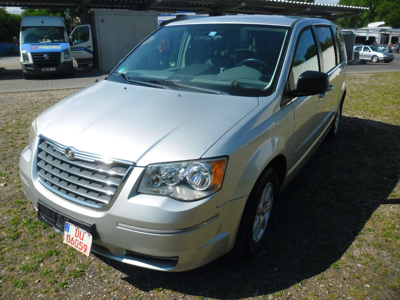 Autos nach Chrysler Voyager Grand 3.8 AWD LE