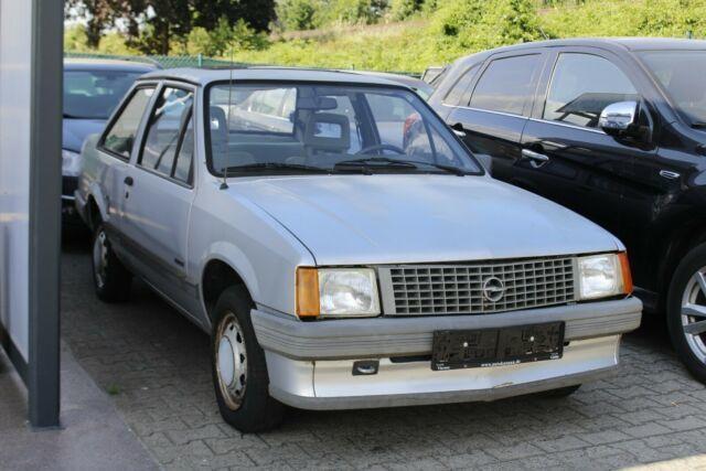Autos nach Opel Corsa 1.2 S, LS, GL, GLS