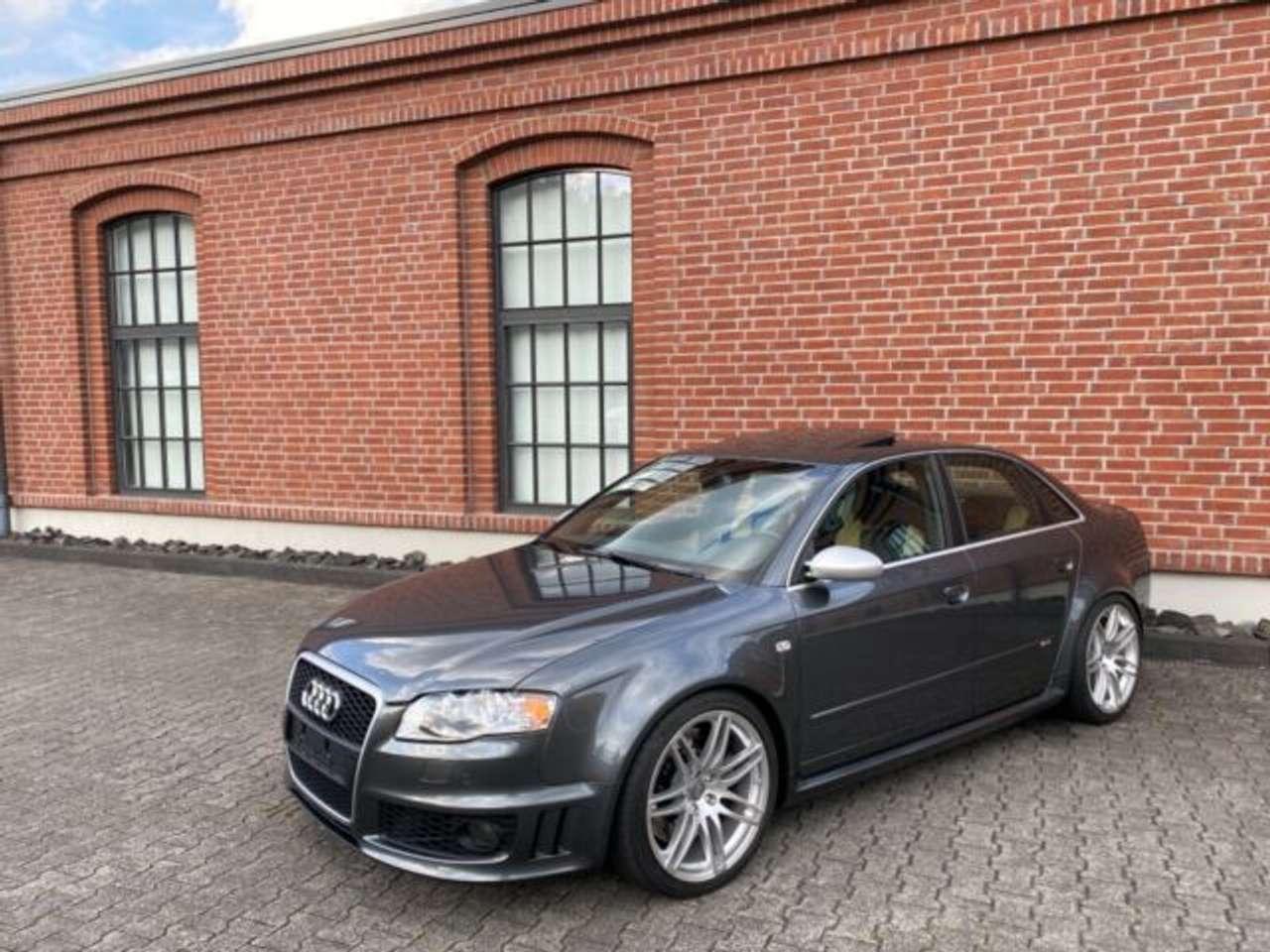 Autos nach Audi A4 RS4