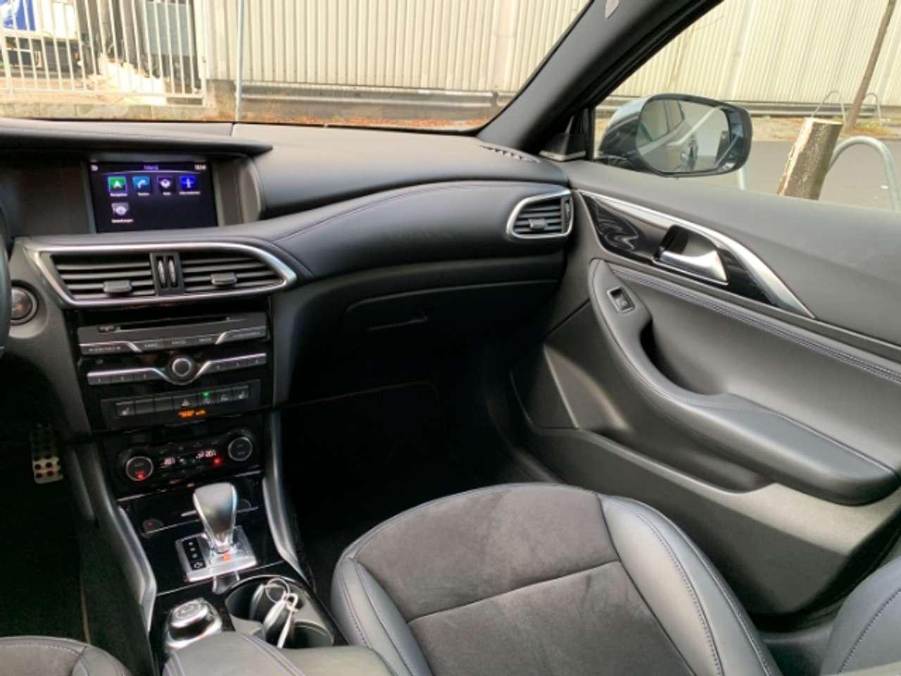 Autos nach Infiniti Q30