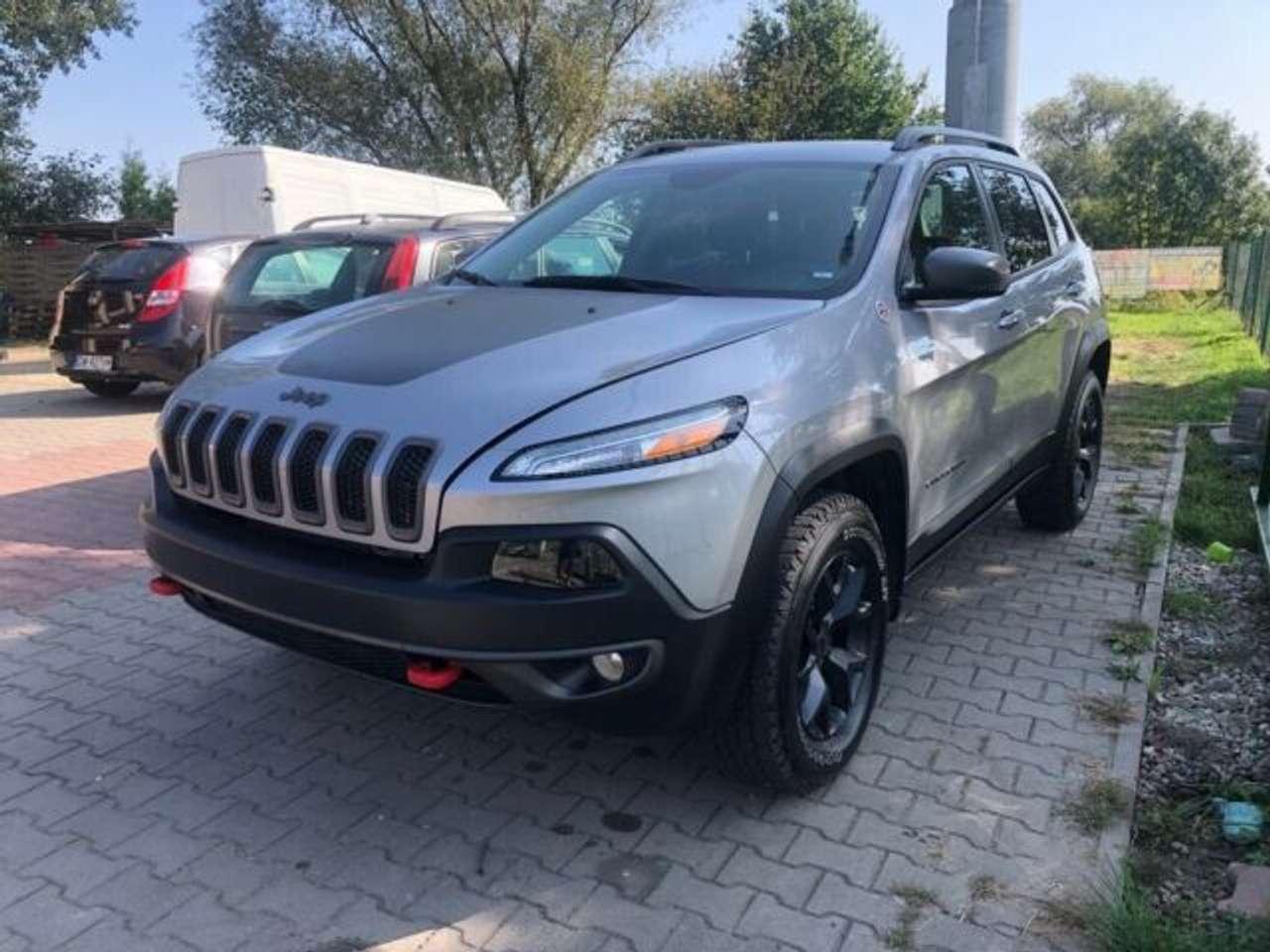 Autos nach Jeep Cherokee 3.2 V6 Pentastar