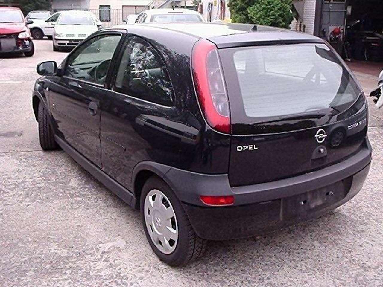 Autos nach Opel Corsa 1.7 DTI