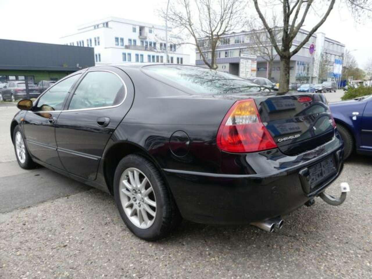Autos nach Chrysler 300M