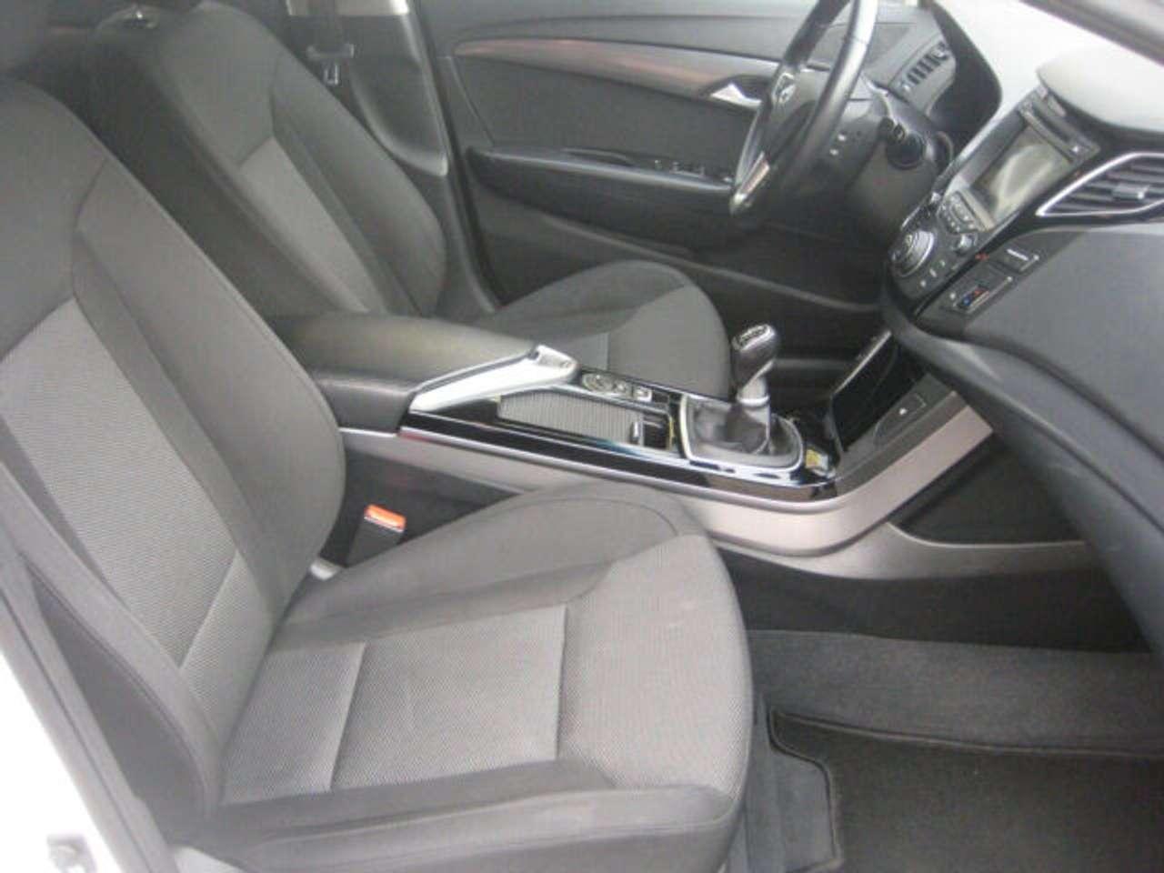 Autos nach Hyundai i40
