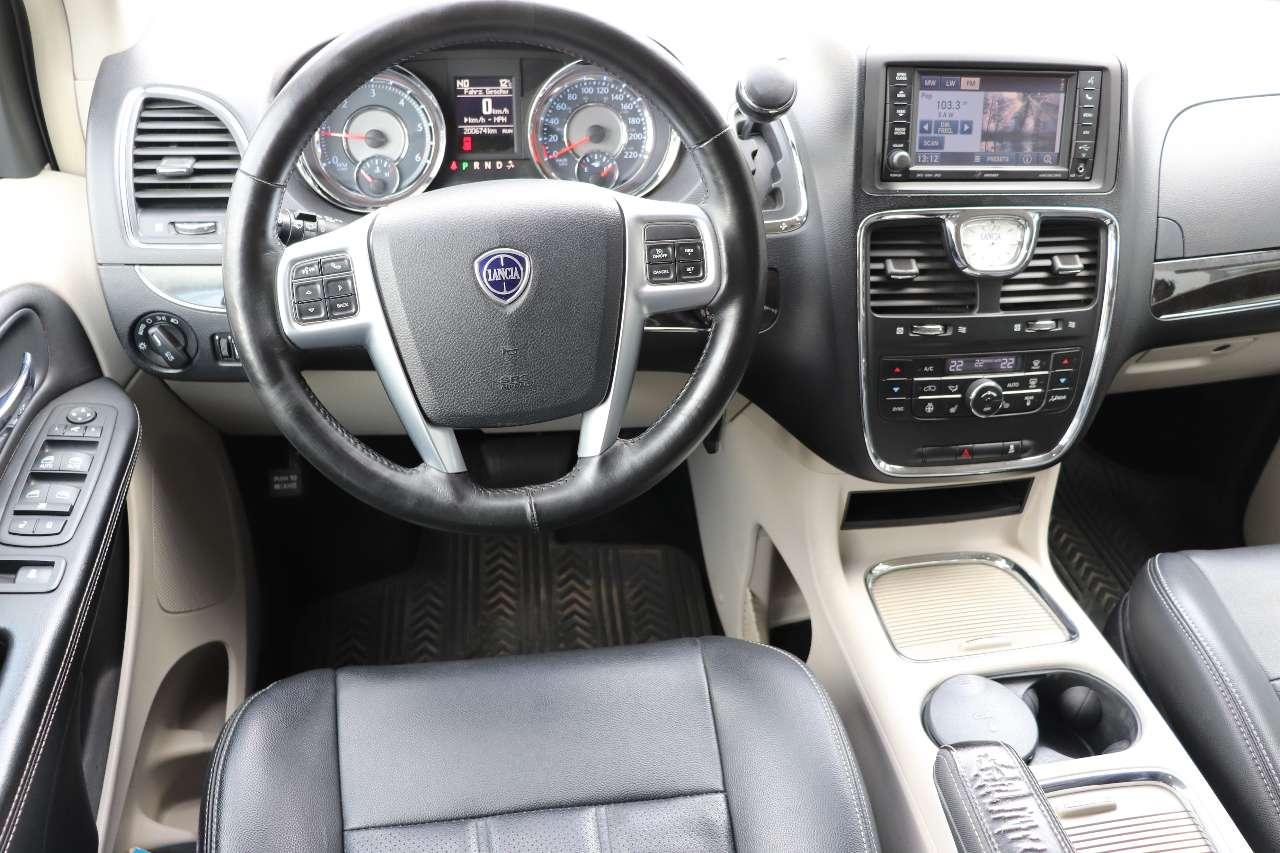 Autos nach Lancia Voyager