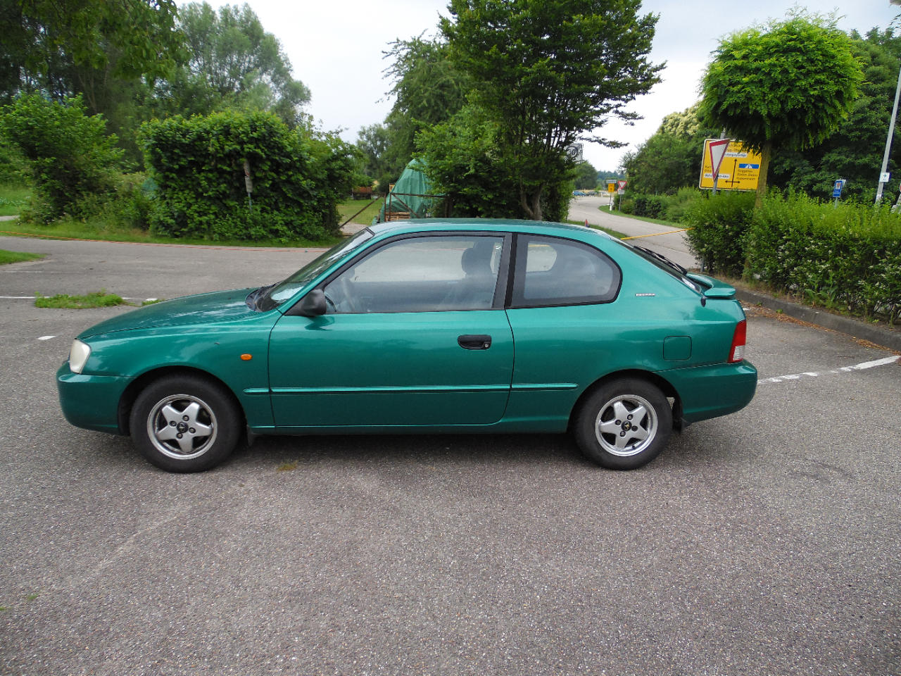 Autos nach Hyundai Accent 1.3