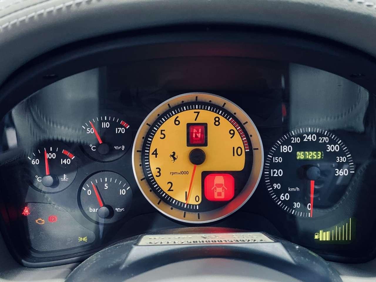 Autos nach Ferrari F430