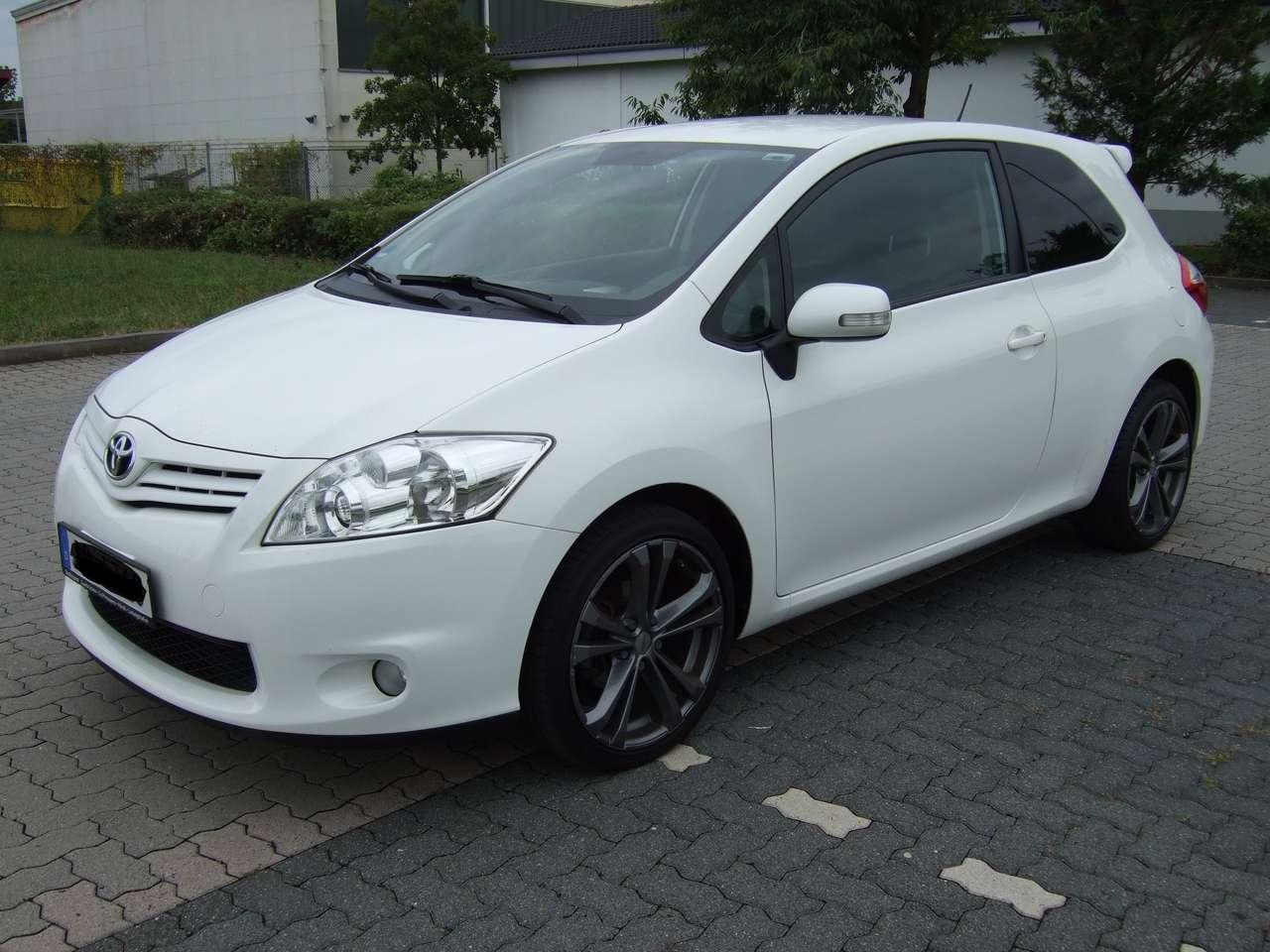 Autos nach Toyota Auris 1.6 Valvematic