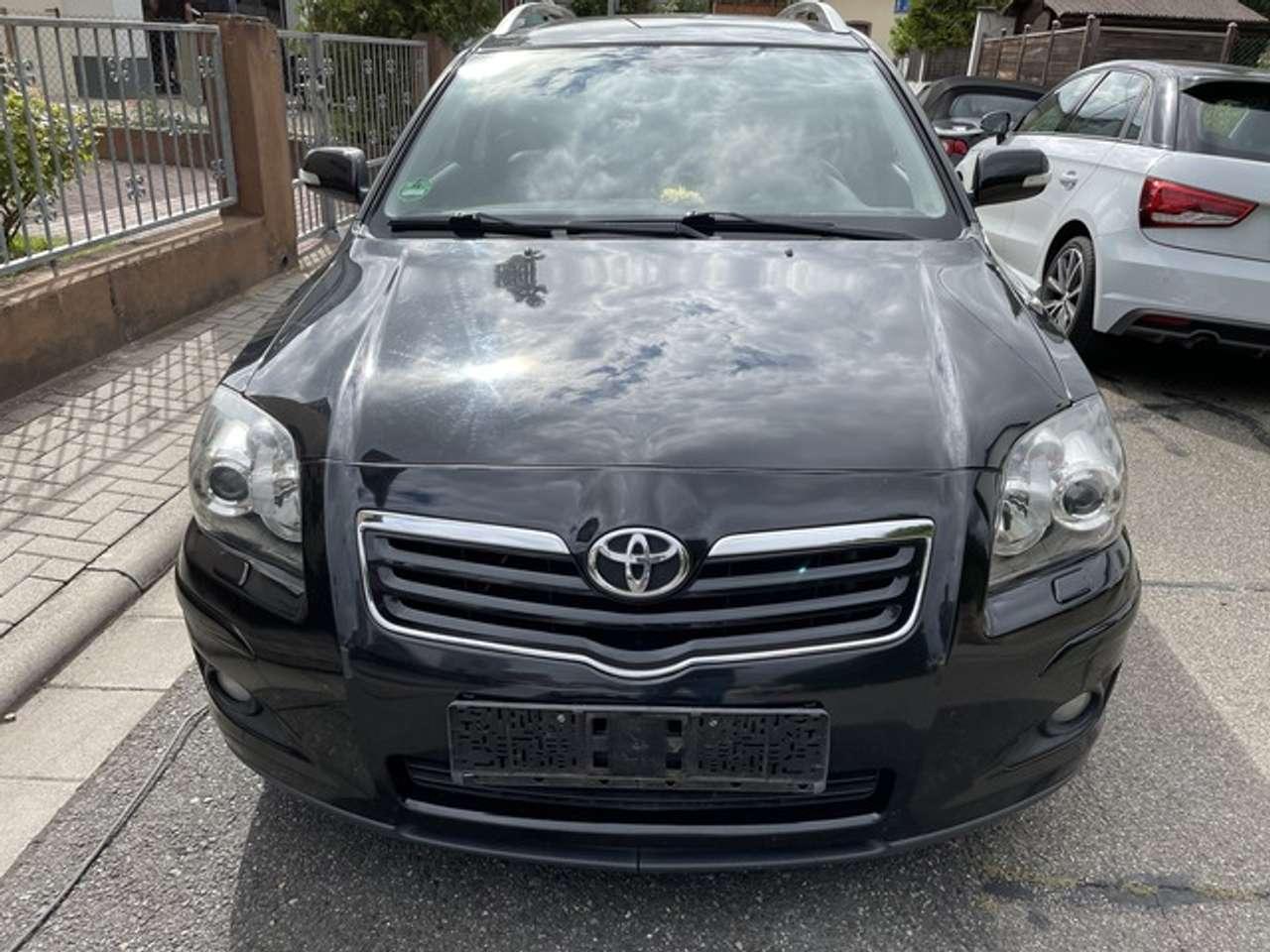 Autos nach Toyota Avensis 2.4 Combi VVT-i