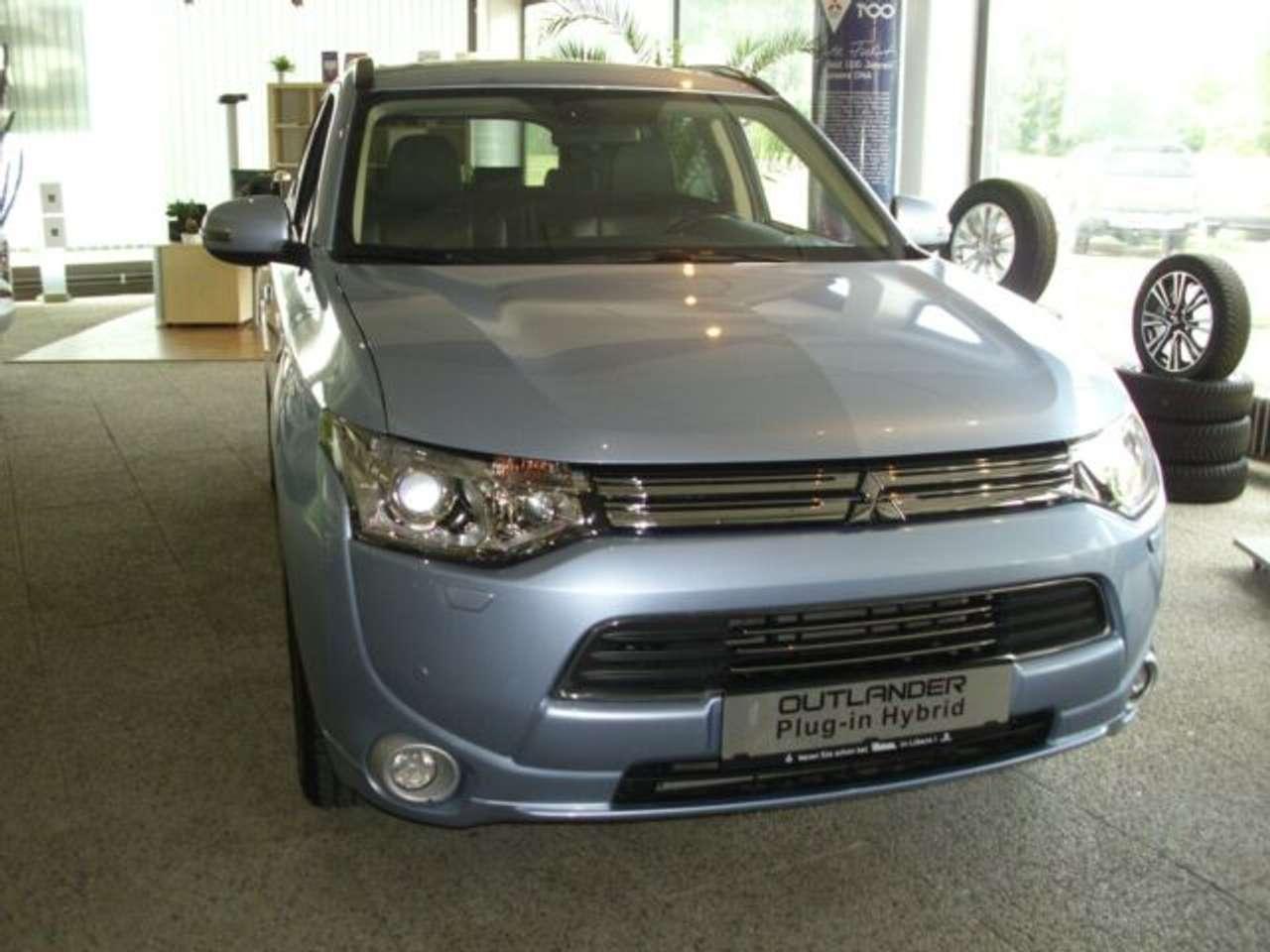 Autos nach Mitsubishi Outlander Plug-In Hybrid