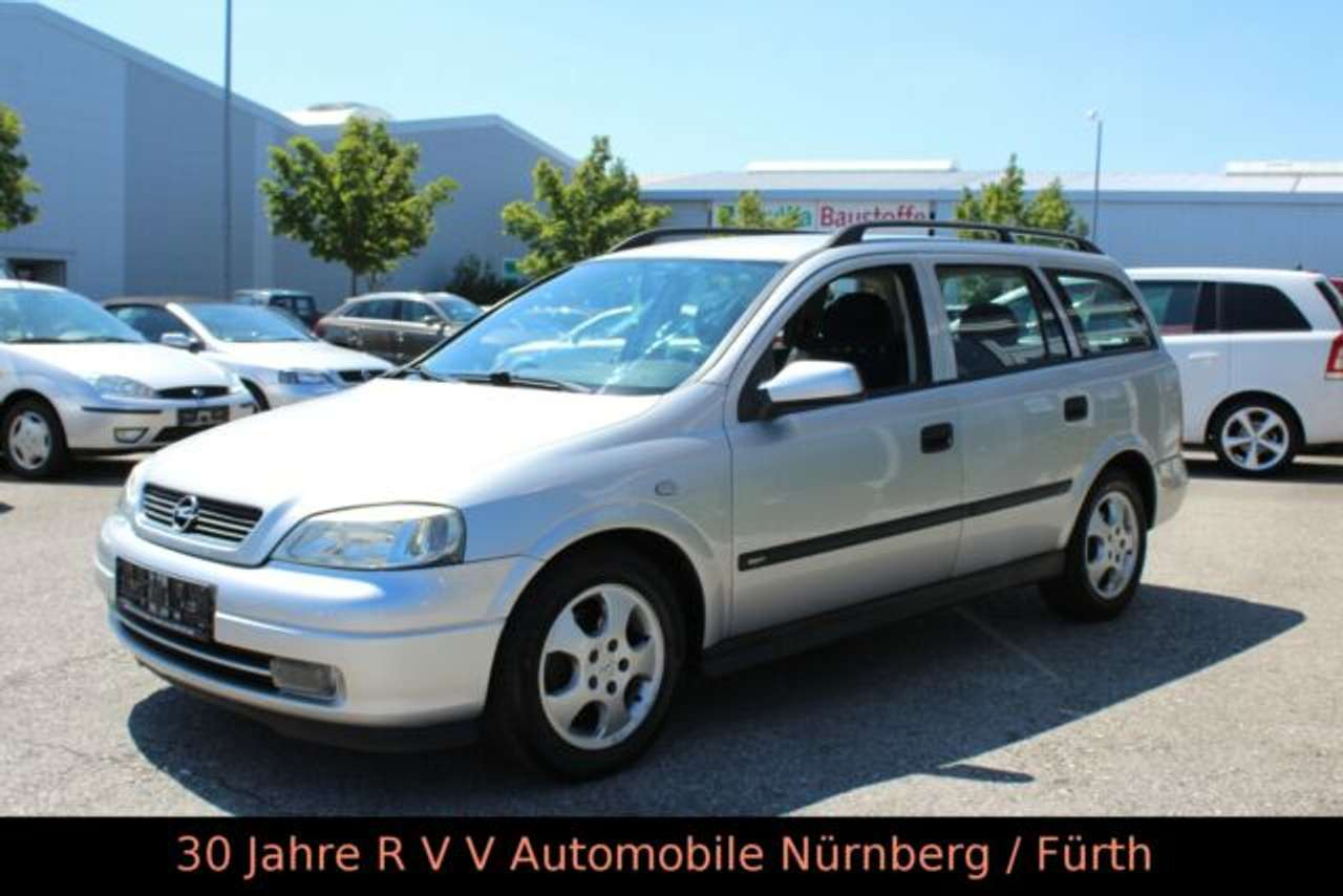 Autos nach Opel Astra Caravan 1.8 16V