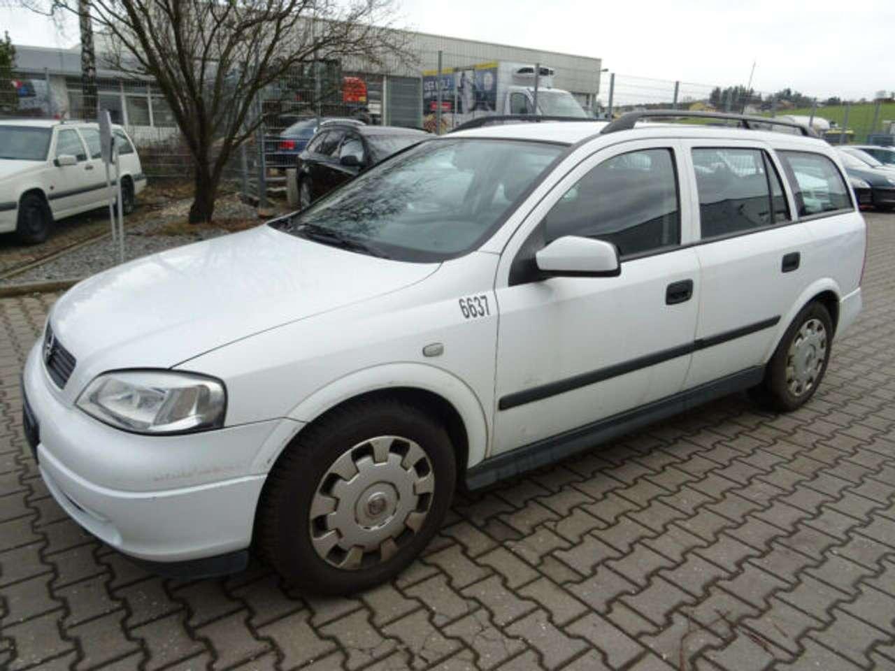 Autos nach Opel Astra Caravan 1.6 CNG 16V
