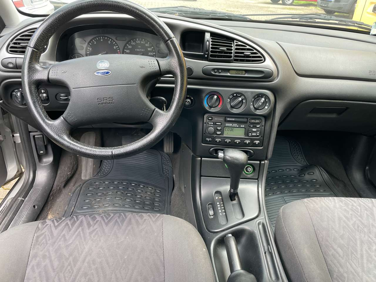 Autos nach Ford Mondeo 2.0i