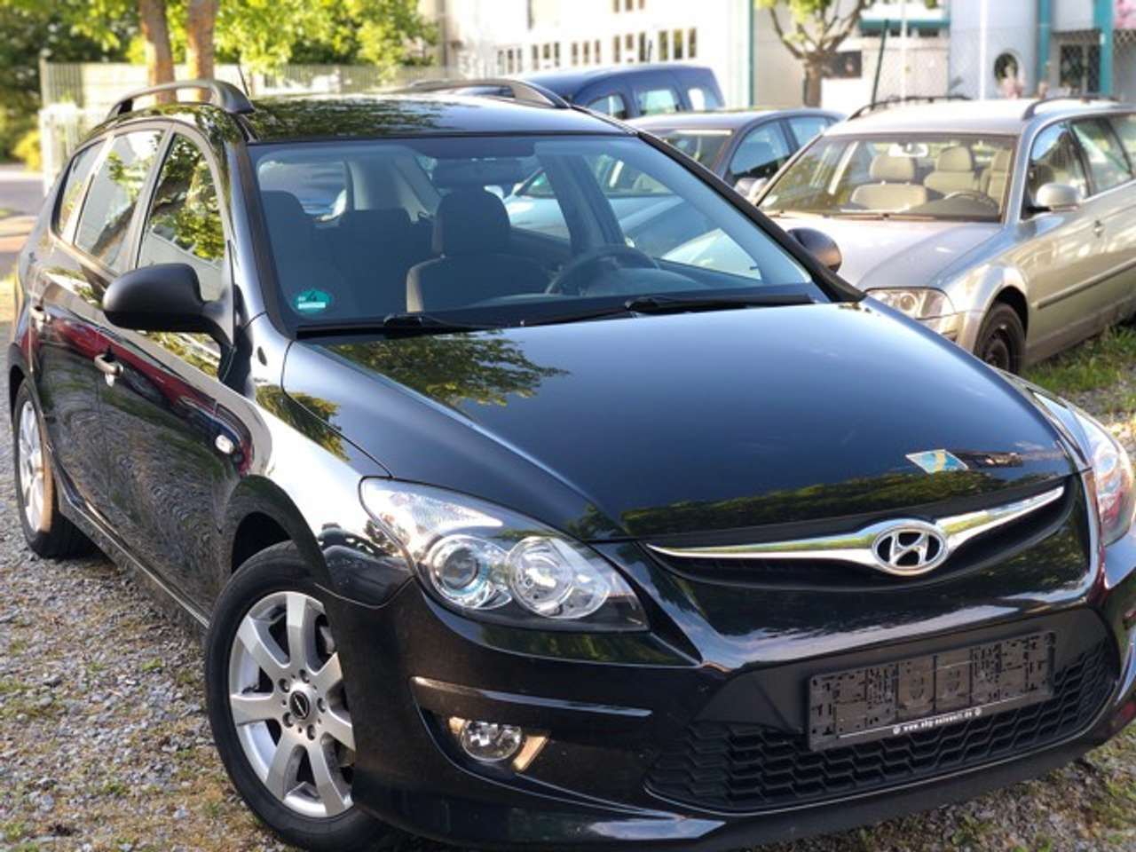 Autos nach Hyundai i30 cw 1.6 CRDi