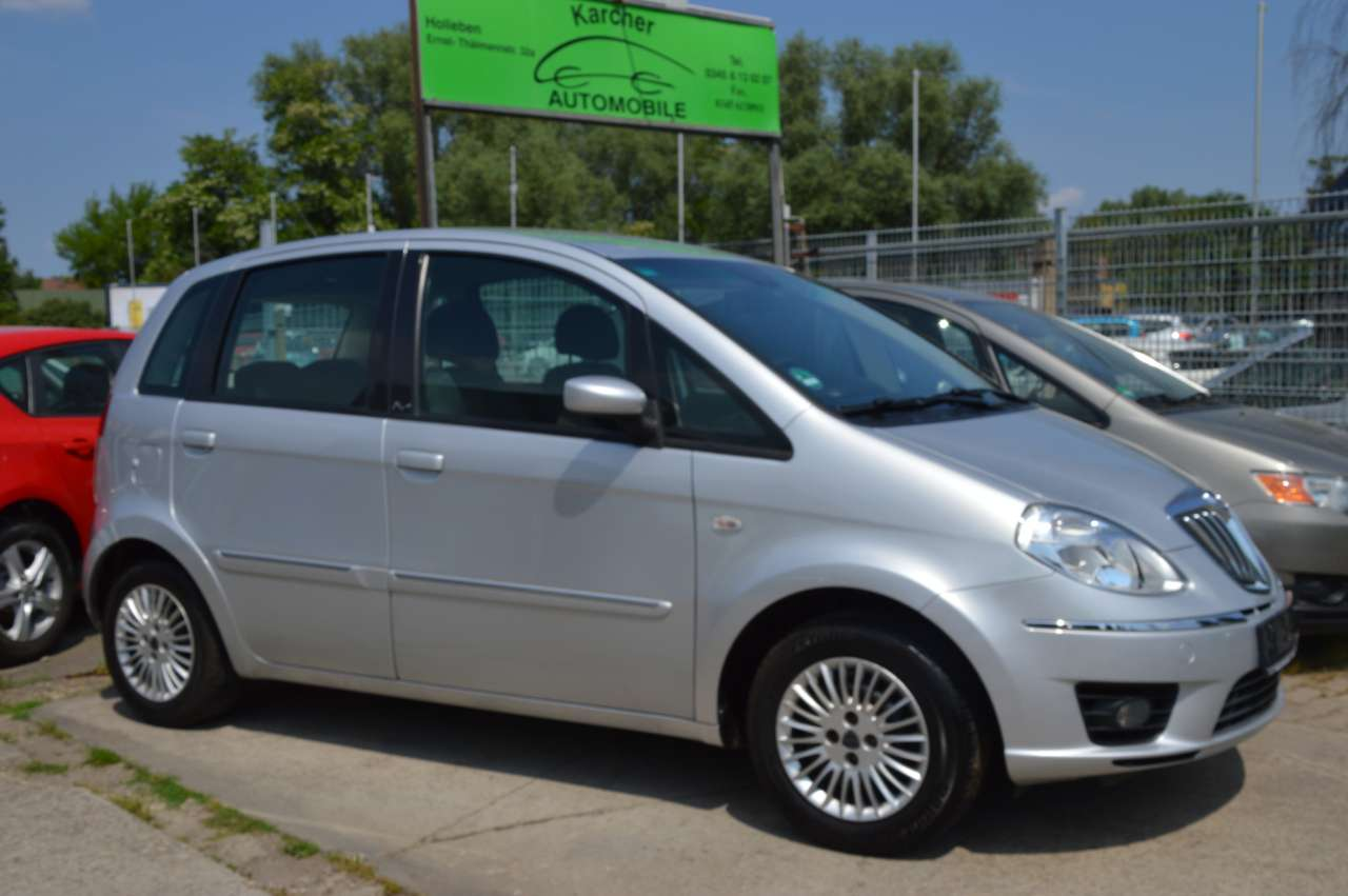 Autos nach Lancia Musa 1.4 8V