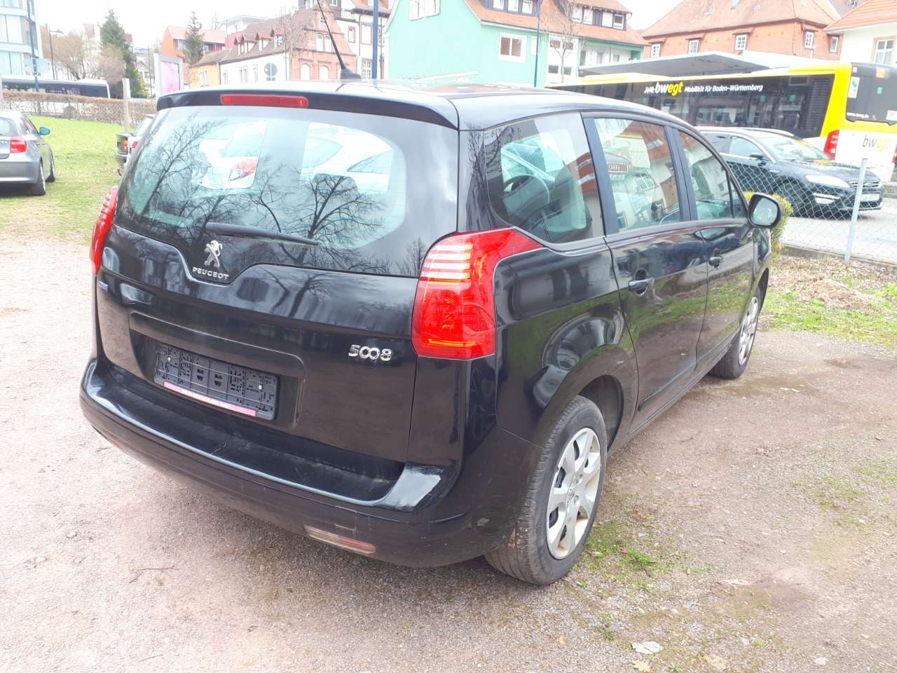Autos nach Peugeot 5008 I