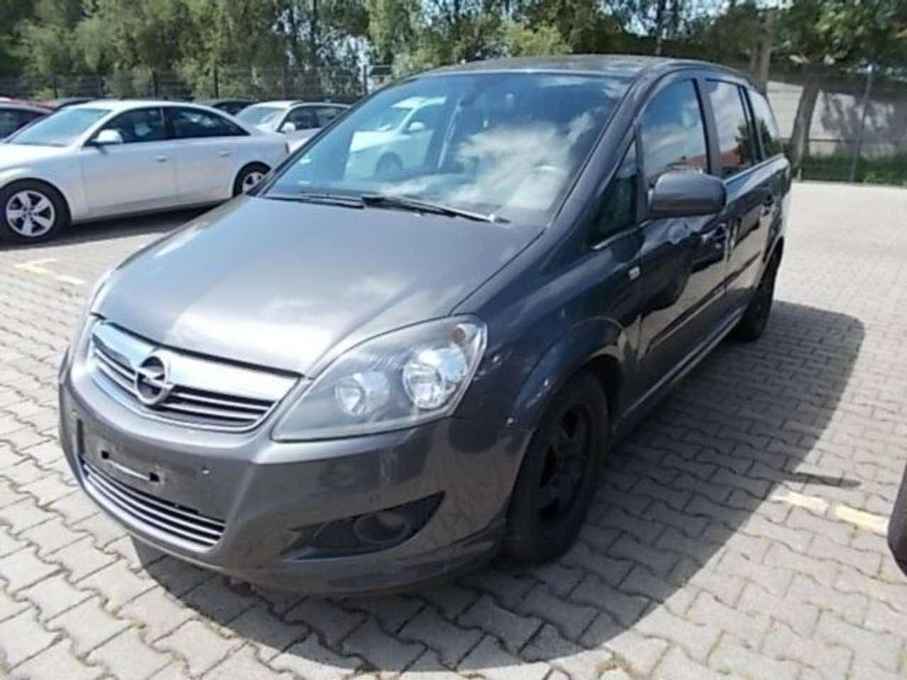 Autos nach Opel Zafira 1.7 CDTI