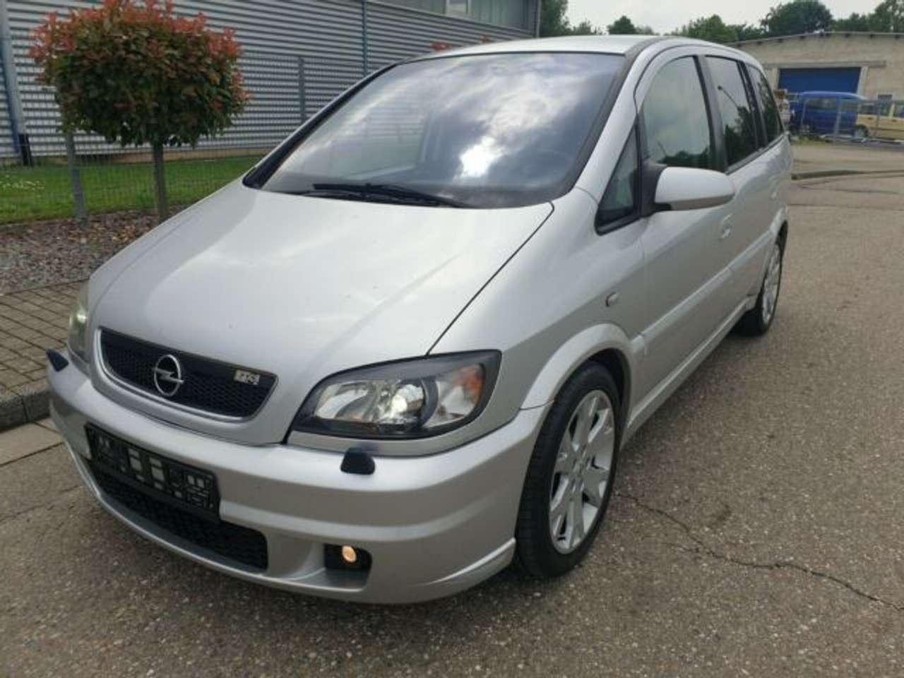 Autos nach Opel Zafira 2.0 Turbo