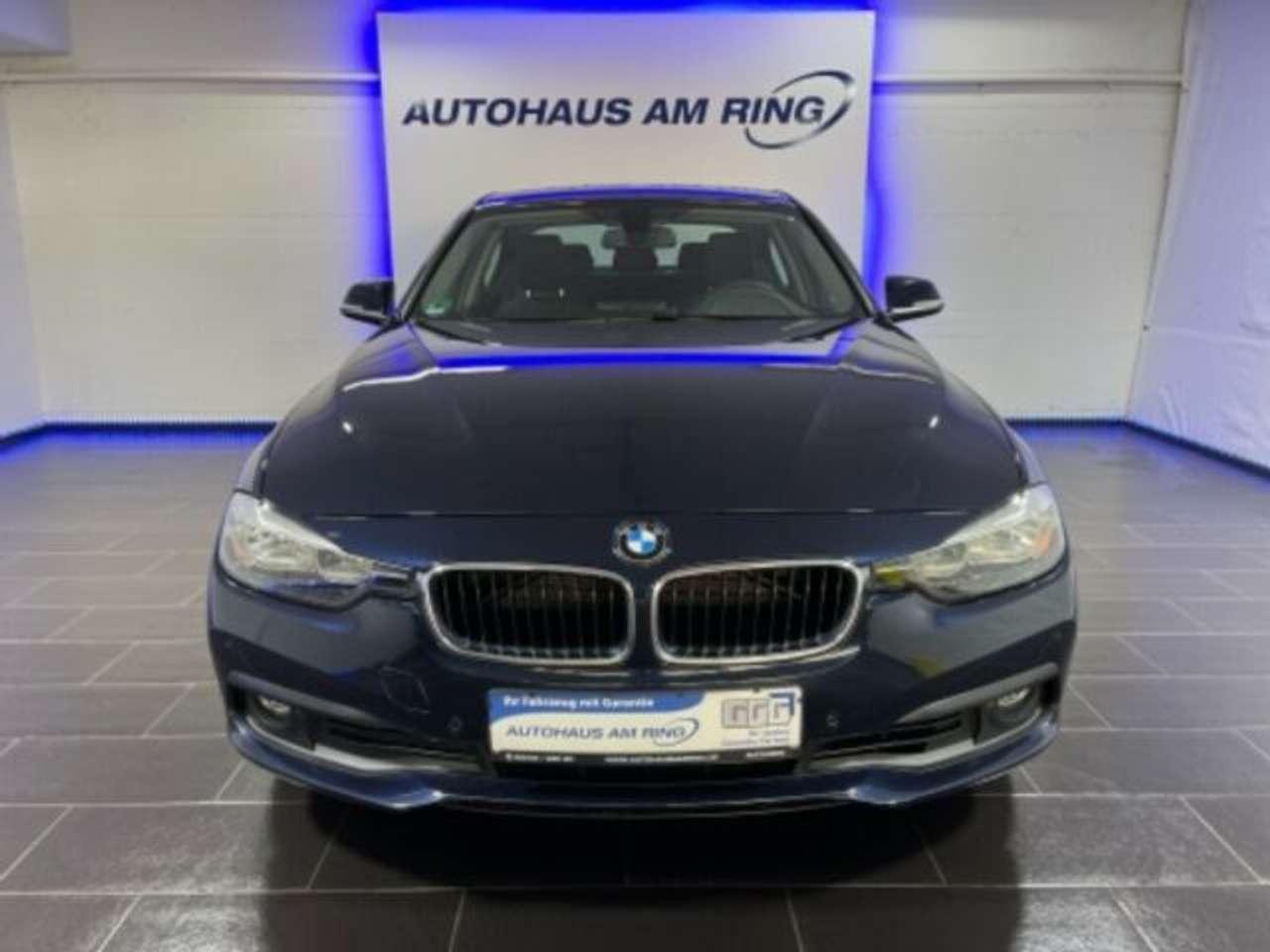 Autos nach BMW 3-Series 330i