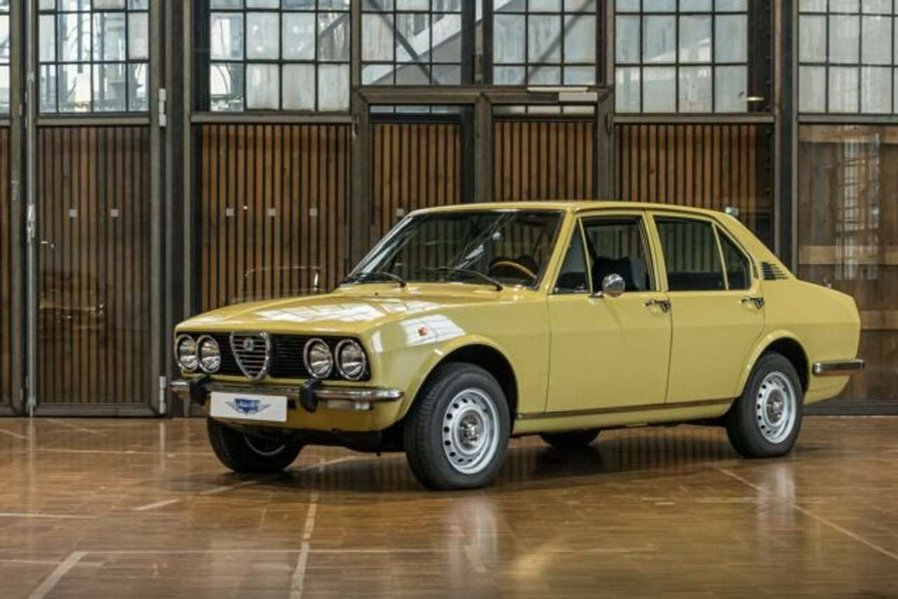 Autos nach Alfa Romeo Alfetta