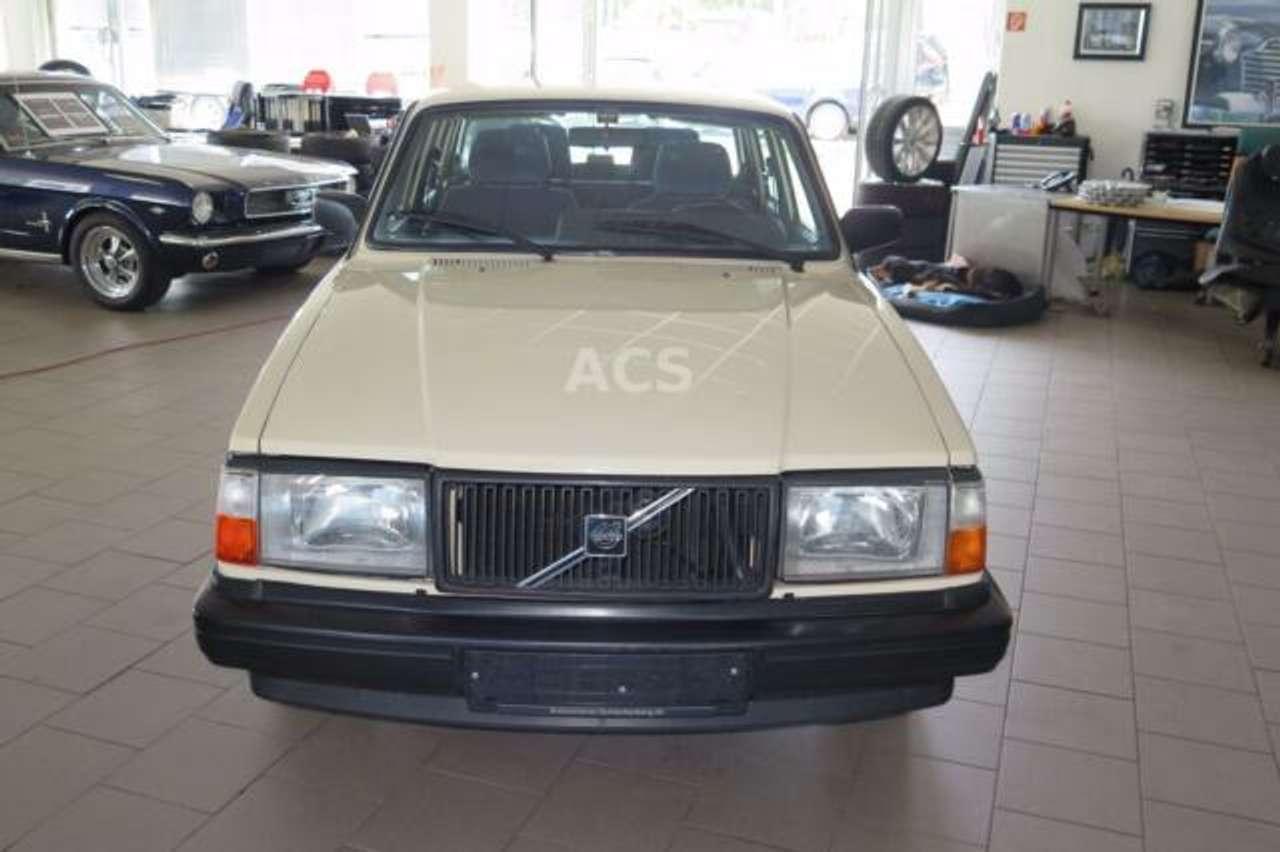 Autos nach Volvo 700 Series