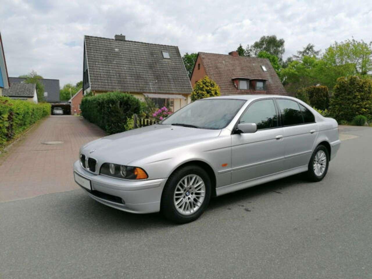 Autos nach BMW 5-Series 540i