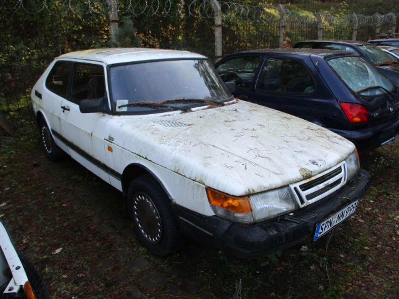 Autos nach Saab 900