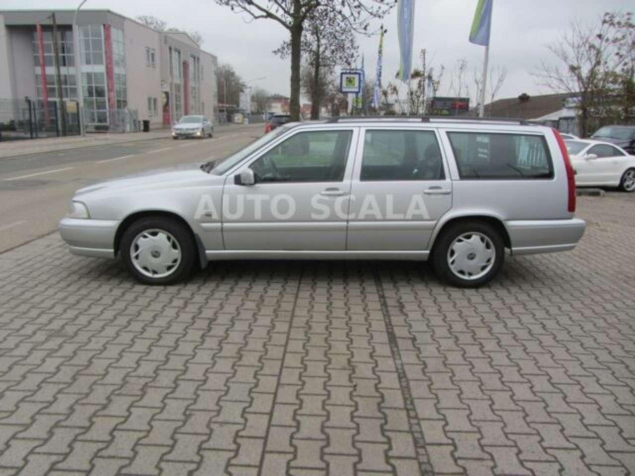 Autos nach Volvo V70 V70 2.5