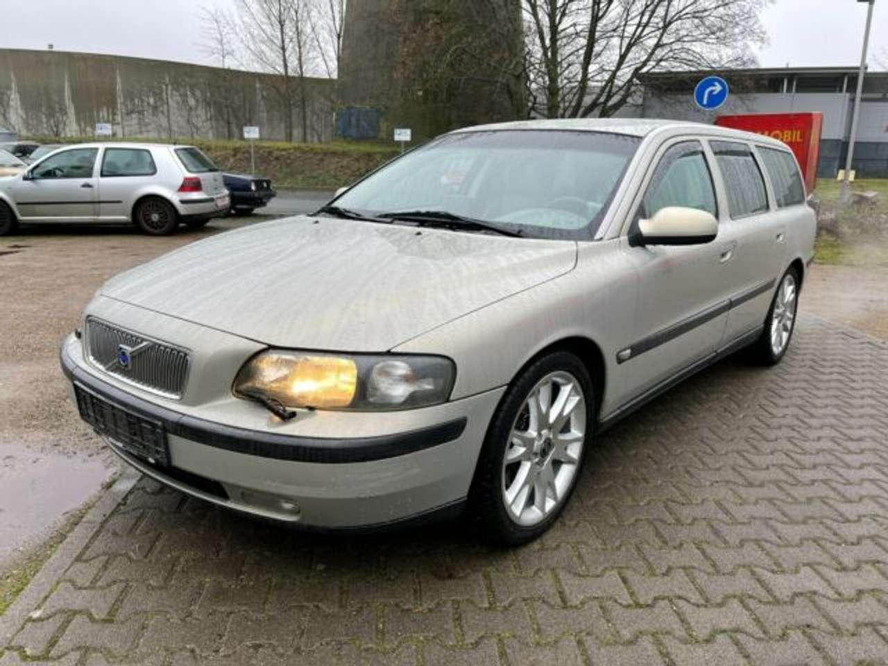Autos nach Volvo V70 V70 T5