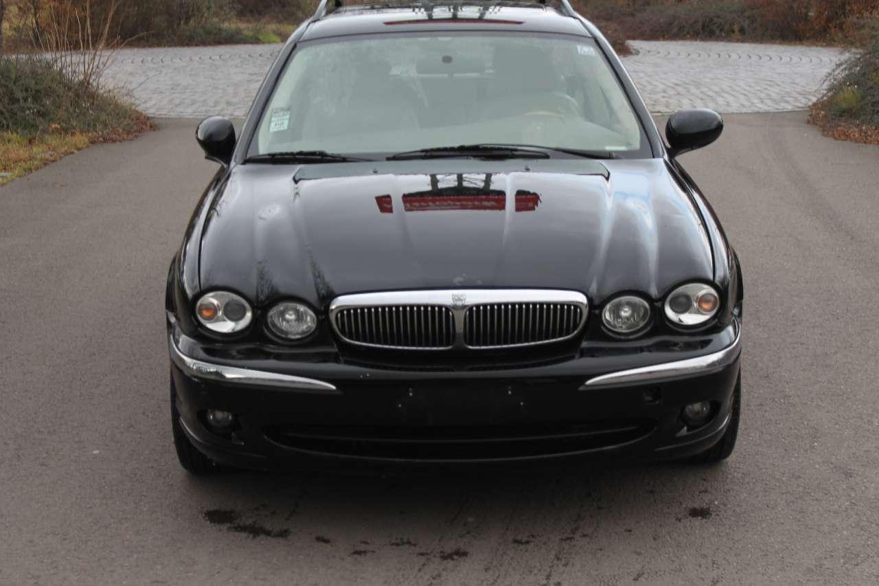 Autos nach Jaguar X-Type Estate 3.0 V6 Sport