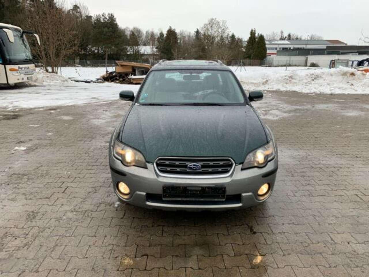 Autos nach Subaru Legacy Kombi 3.0R