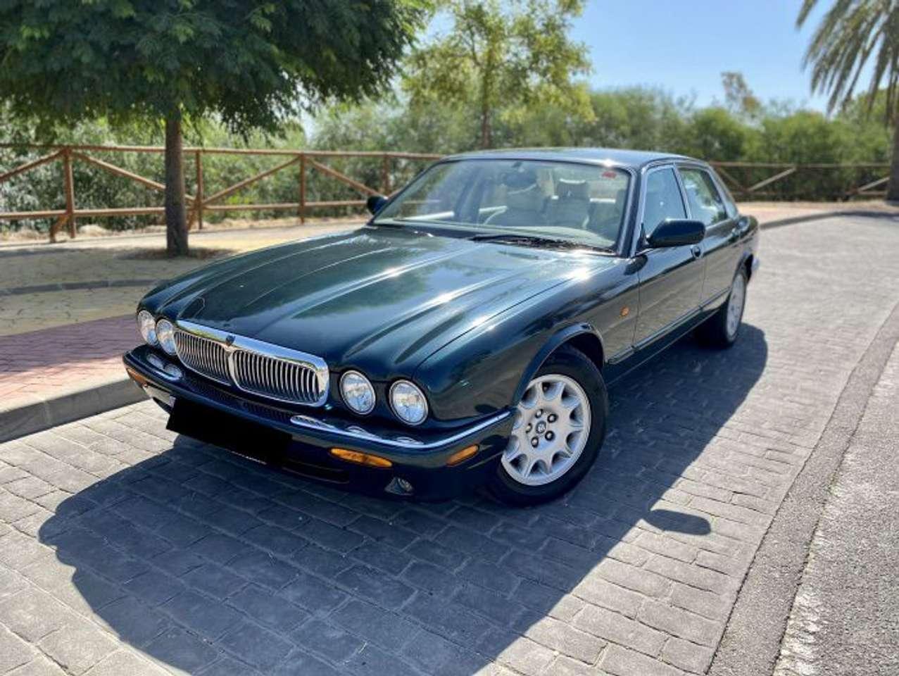 Coches por Jaguar XJ 4